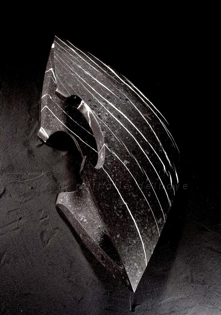 calcaire de rivière  Baye de Clarens/Montreux  110x58x35 cm  2002
