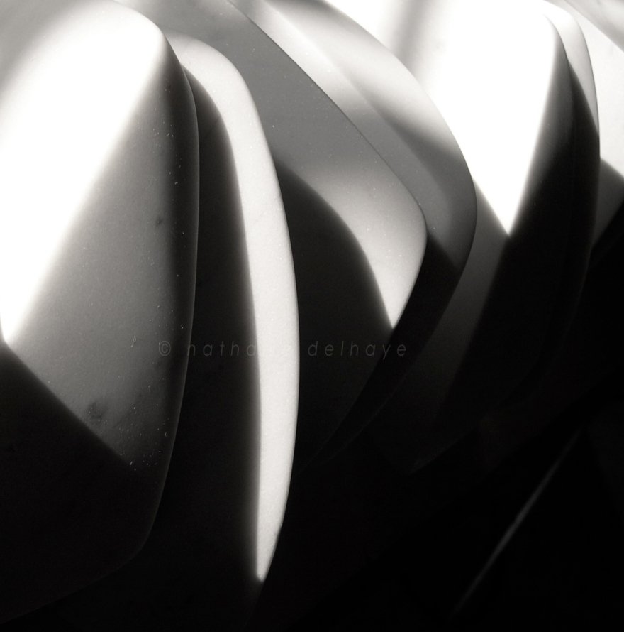chorégraphie pour 17 pas  marmo bianco venato  12x13x18 cm  2003